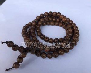 Chuỗi hạt đeo tay bằng gỗ