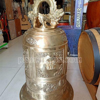 Chuông đồng nặng 50 kg