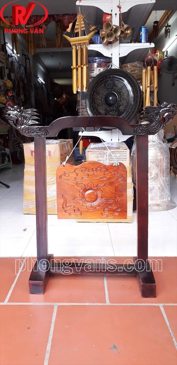 Bộ khánh gỗ tụng kinh tại chùa